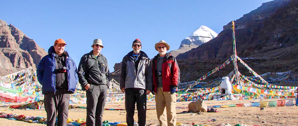 Trekkers at Tarboche Kailash